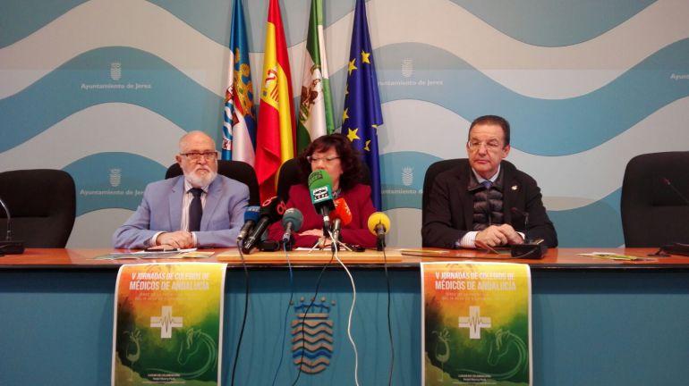 Imagen de la rueda de prensa de la presención de las V Jornadas de Colegios de Médicos de Andalucía