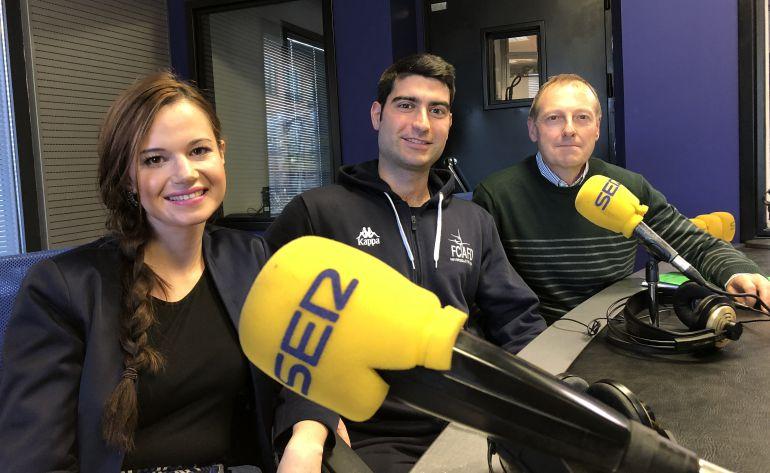 Marta González, David Suárez y Miguel Ángel Ferrero en el estudio de Radio León