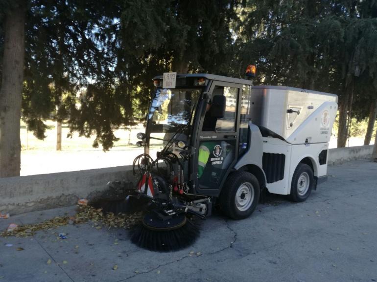 La nueva barredora está en proceso de adaptación para controlar los tiempos de limpieza por calles
