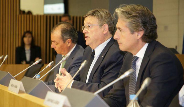 El president Puig, junto al presidente de la CEV y el ministro de Fomento