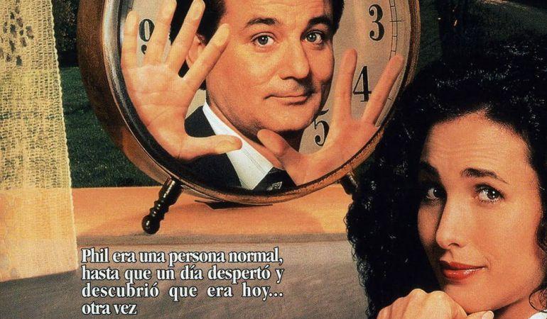 Los aficionados al cine de los noveta podrán comentar en profundidad esta comedia romántica de viajes en el tiempo