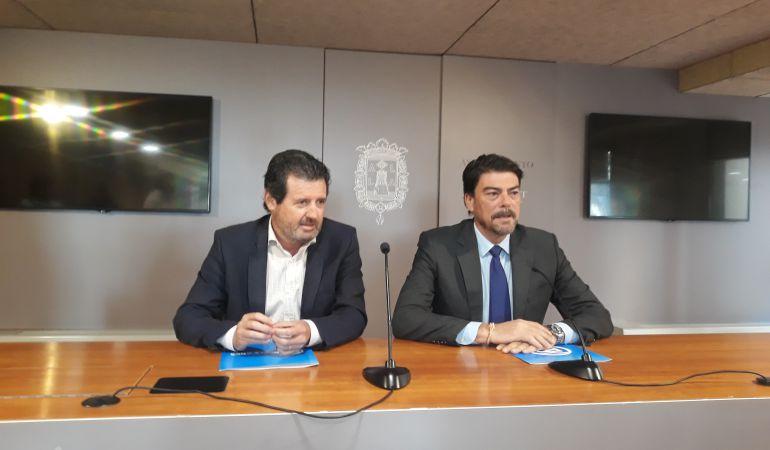 José Císcar (i) y Luis Barcala, en la rueda de prensa