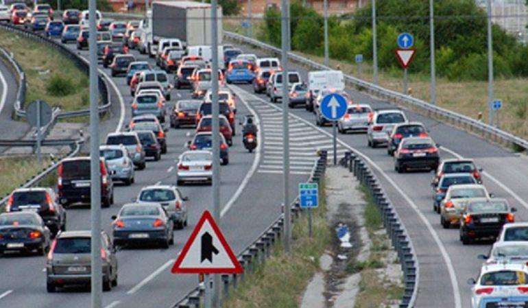 La colisión de 4 coches en la A7 provoca 6 kilómetros de retención
