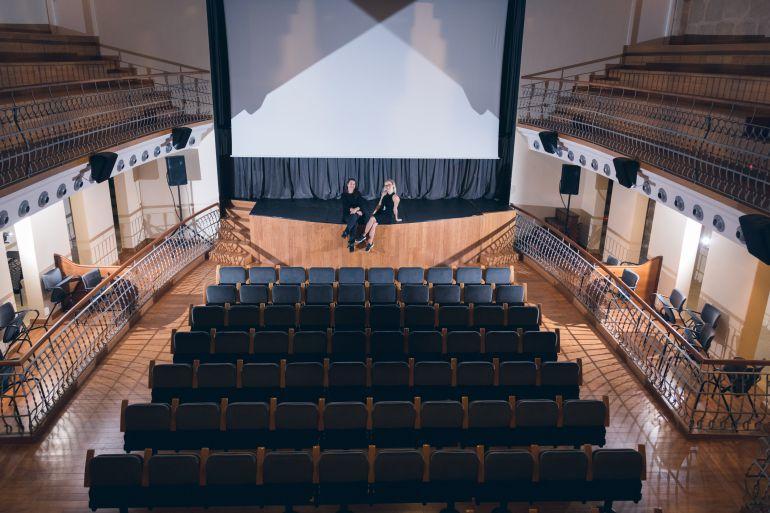 La organizadora del festival en el Teatro España
