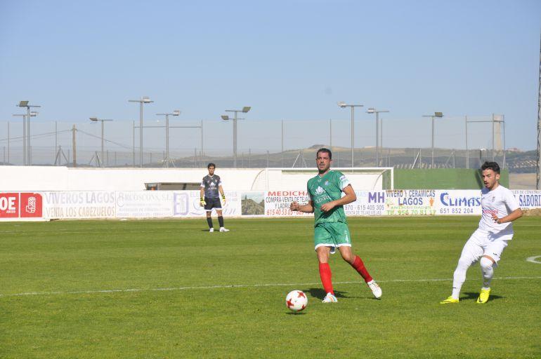 Paco Borrego durante el partido disputado en Arcos