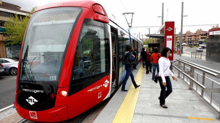 Las concesionarias de Metro Ligero Oeste estudian la rebaja del canon que propone el Ejecutivo regional