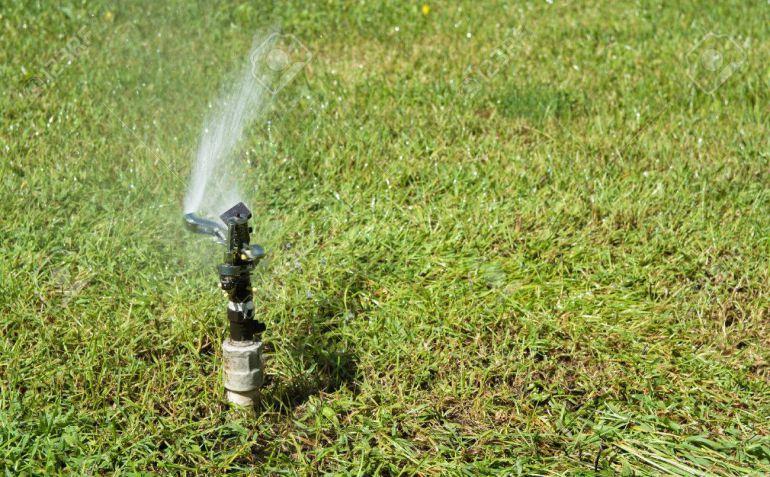 Los ayuntamientos quieren que el agua depurada se use para riego y limpieza para evitar así más extracciones de los acuíferos.