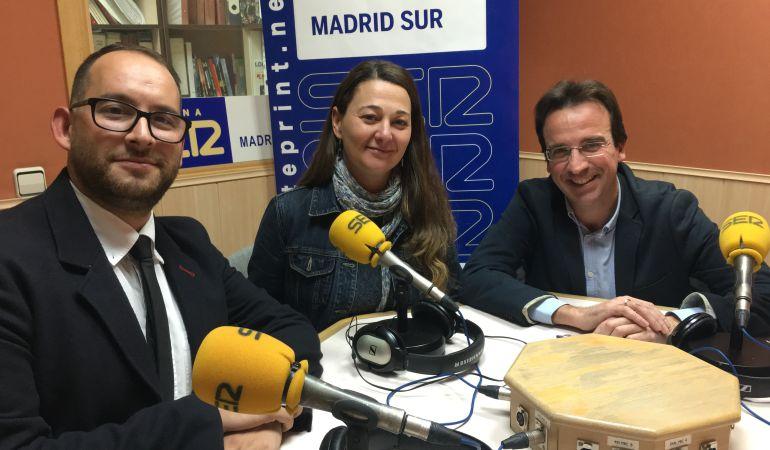 Serafín Faraldos, alcalde de Valdemoro, Beatriz Arceredillo, MOVER Parla y Miguel Ángel Recuenco, PP Leganés, en la tertulia.