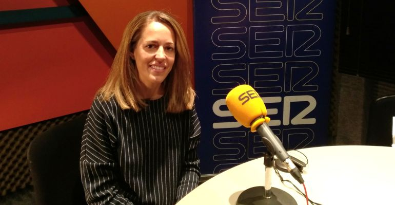 Marta Simón, Odontóloga de la Clínica Dental Simón en los estudios de SER Madrid Norte