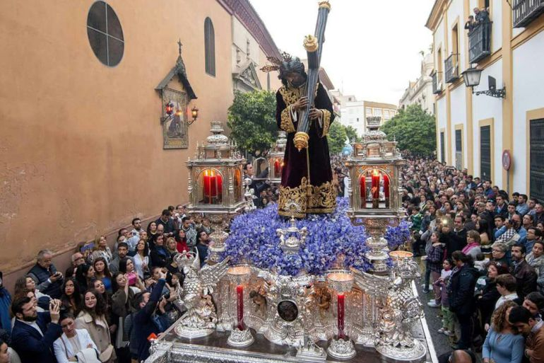 El Señor de la Divina Misericordia en su salida procesional del Miércoles Santo