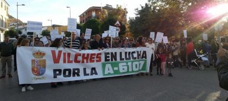 Los manifestantes recorrieron varias calles hasta la carretera A-6107