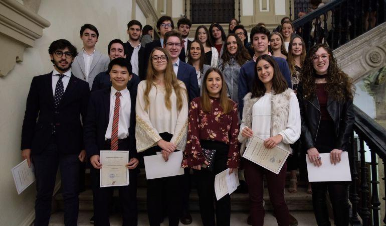 Alumnas y alumnos premiados por obtener la nota de admisión más elevada