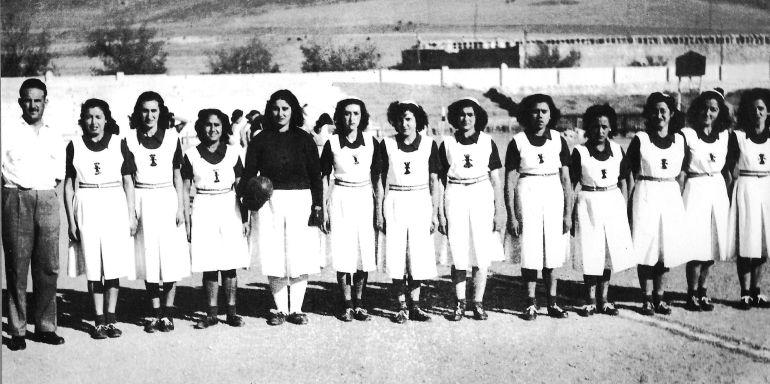 Equipo femenino de balón a mano de Cuenca.