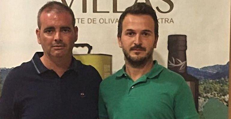 El entrenador del Villacarrillo, Jesús Párraga, a la izquierda, el día de su presentación.