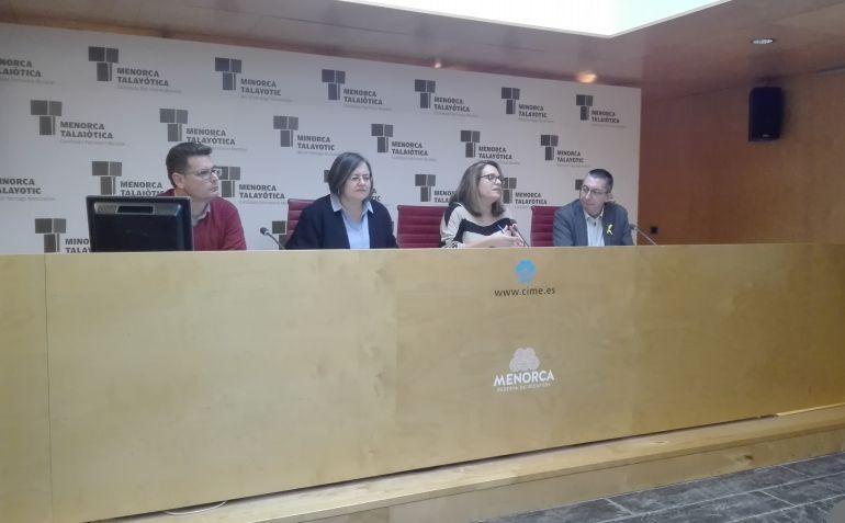 Los portavoces de los ters partidos en el gobierno insular presentaronlas cuentas de cara a 2018.