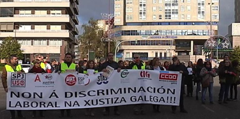 Los prespresentantes sindicales de la provincia se unieron a la manifestación de Vigo.