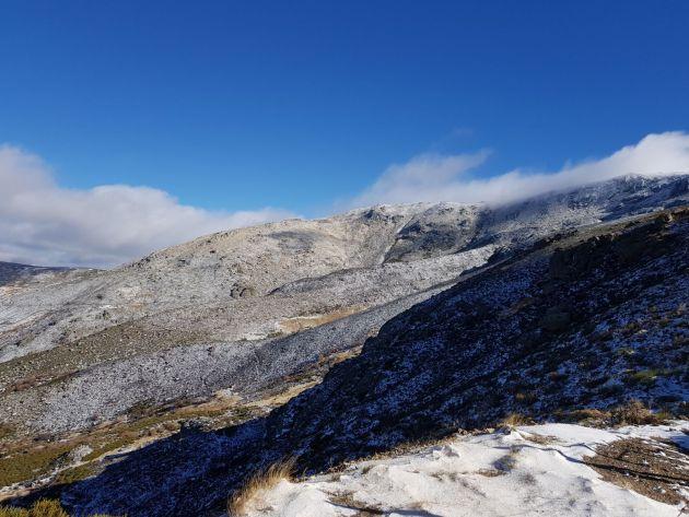 Imagen de la Sierra de Béjar este sábado, tras las nevadas caídas.