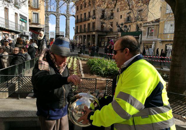 Los colectivos han leído sus deseos simbolizados en unas bolas de navidad