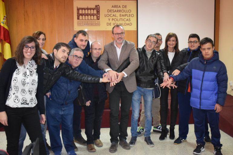 35 vecinos con capacidades diferentes de Villarrobledo empiezan a trabajar este martes en el Ayuntamiento