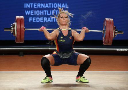 Lidia Valentin en plena levantada durante el mundial de Anaheim