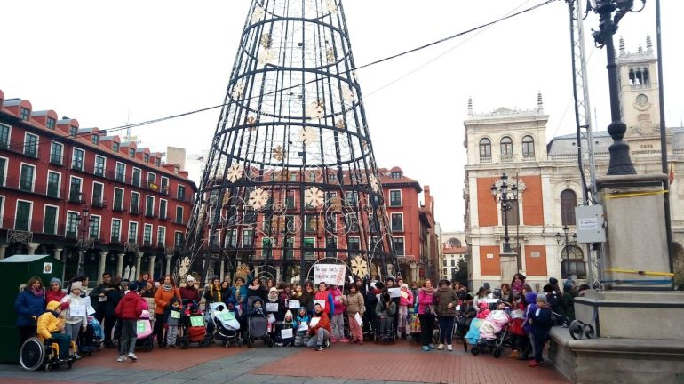 Plaza Mayor de Valladolid con los niños y niñas del Centro