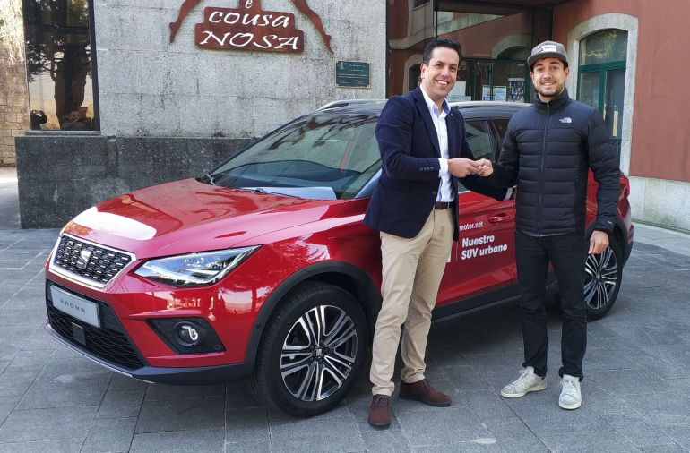 Uxío Abuín recibió esta mañana el SEAT Arona de Compostela Motor para la temporada 2018