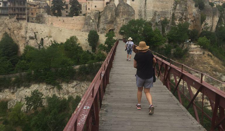 Buenas perspectivas para este puente de la Constitución en Cuenca