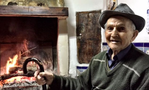 Julián Monte en su casa de El Pozuelo en enero de 2016.