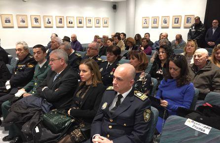 Las fotos de alcaldes preconstitucionales y de un condenado dejan siete sillas vacías en el pleno de la Constitución