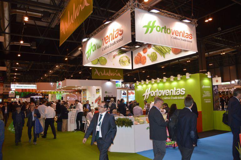 Expositor granadino en la feria de frutas y hortalizas Fruit Attraction de Madrid