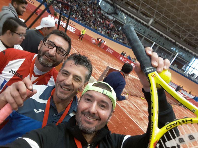 Los tenistas del Amigos del Tenis disfrutaron del evento