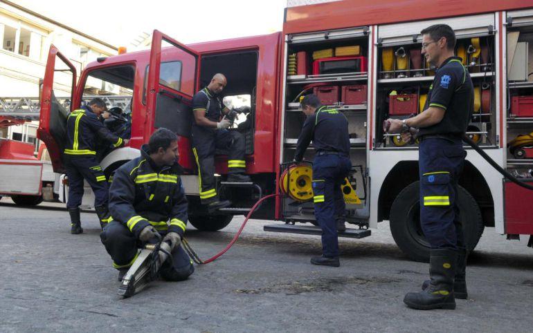 Arrestado por hacer trampas en el examen para bombero conductor del Consell