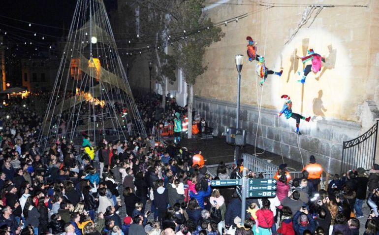 Los Llumets se han convertido en una de las grandes fiestas infantiles de la Navidad.