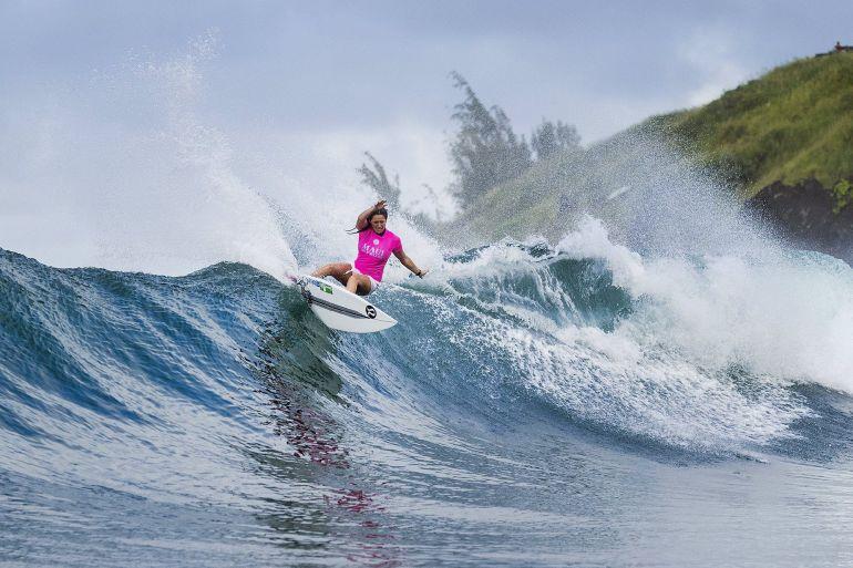 Surfistas de todo el mundo aguardan con expectación la llegada de La Gran Ola.