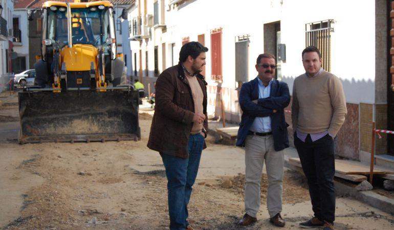 Lozano y Castro visitando las obras