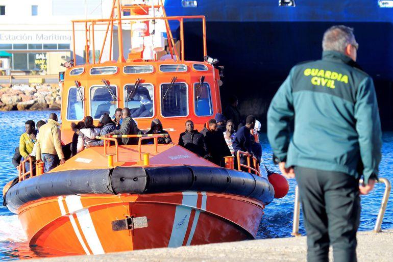 Inmigración en Málaga: Rescatados 55 inmigrantes frente a las costas de Fuengirola
