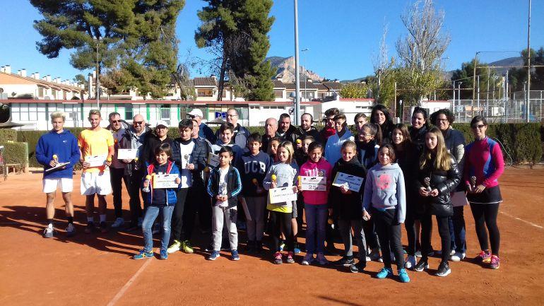 """Campeones y subcampeones del III Torneo de Tenis """"Isidro Aguado"""""""