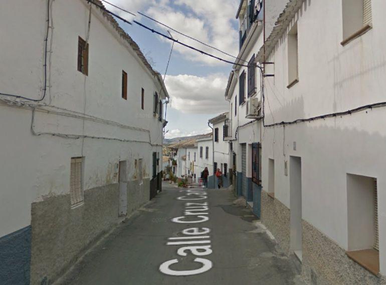 Calle Cruz Cañizares de Montefrío (Granada) donde se ha producido un incendio
