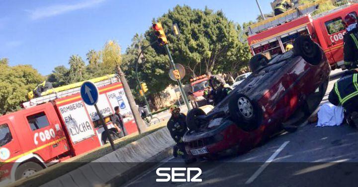 Sucesos en m laga cuatro heridos en un grave accidente de - Oficina de trafico en malaga ...