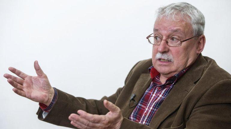 """Joaquín Leguina: """"Para cualquier persona racional la situación de España es de locos"""""""