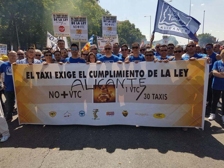 Taxistas de Alicante en la manifestación de Madrid