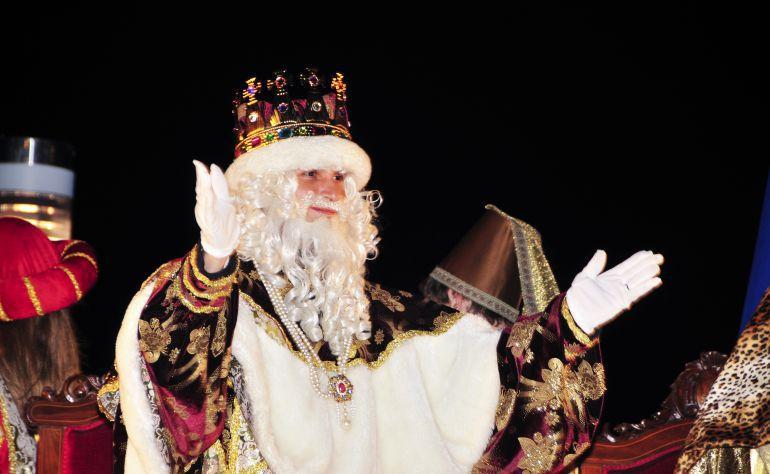 Melchor saluda a los asistentes a la cabalgata de Reyes