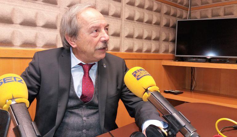El alcalde de Oviedo en los estudios de Radio Asturias - SER