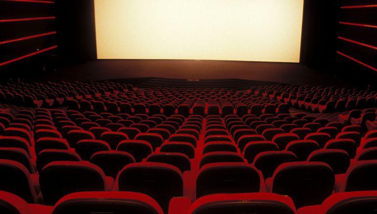 Abren la primera sala de cine en espa a donde podr s for Sala 25 kinepolis madrid