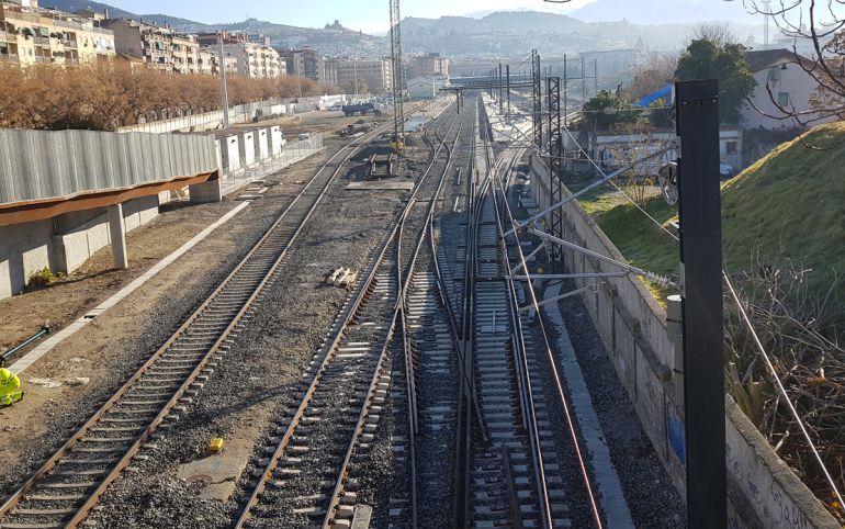 Aspecto actual de la estación de tren de Granada ya adecuada, supuestamente, para la llegada de los trenes AVE