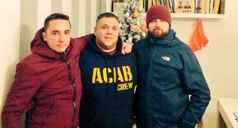 Imatge publicada a les xarxes socials per Chaparro on se'l veu (esquerra) acompanyant feixistes italians