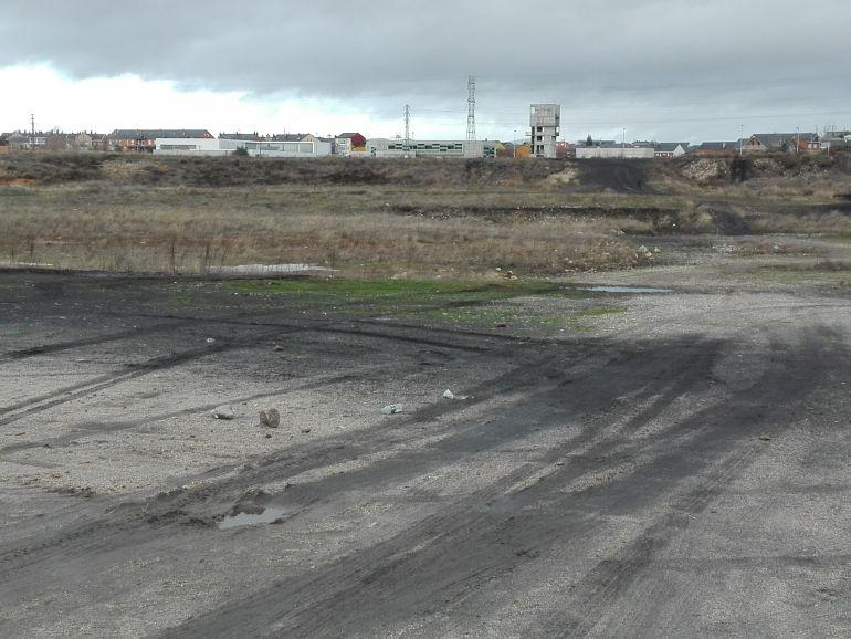 Terrenos en los que está prevista la ubicación de la caldera de biomasa, cerca del parque de bomberos
