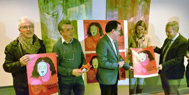 Representantes del Ayuntamiento, Universidad y Fundación Caja de Burgos en la presentación del XIX Escena Abierta