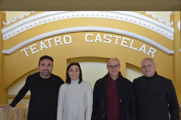 La edil de Cultura, Nieves López, el Presidente de la Orquesta, Rafael Rico, el Director de la Orquesta, Octavio Peidró y Juan Vera, programador del Teatro Castelar, durante la presentación del Concierto.