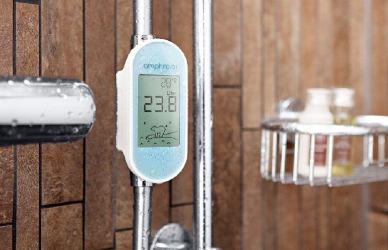 El sensor nos informa en tiempo real de los litros que consumimos y la temperatura del agua durante el baño